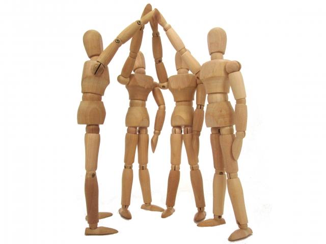 理念や信念を共有していない知人や友人を10000人持つよりか、理念や信念を共有し、共通の目的に向かって走れる盟友を1名持つ方が遥かに意味がある